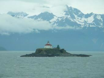 Eldred Rock (Wikimedia Commons image by Ryan Harvey, Flickr, Alaska Cruise 2008)