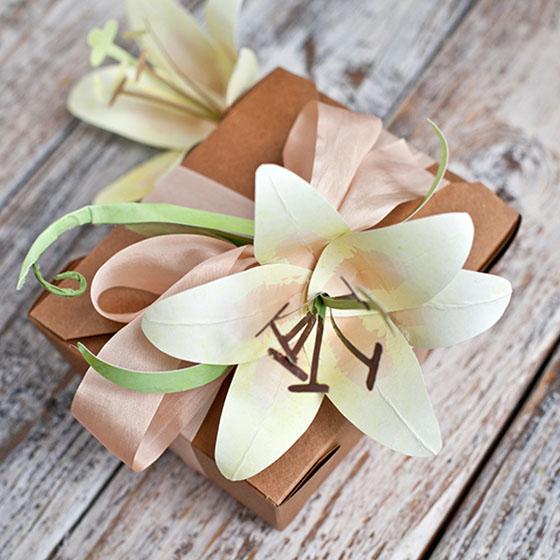 Как сделать лилии из бумаги своими руками