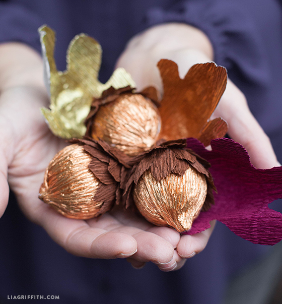 Как сделать орехи из бумаги своими руками