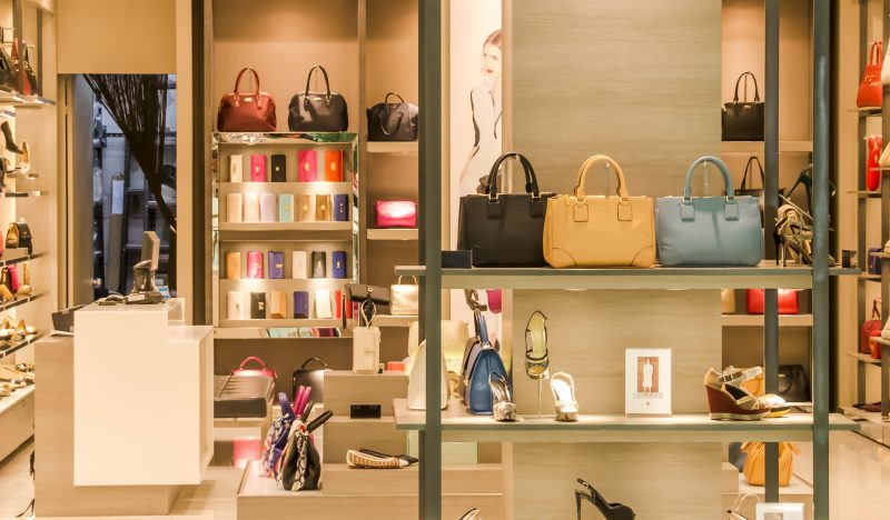 Luxury in e-commerce: store environment