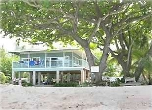 Hibiscus Holiday Beach House photo