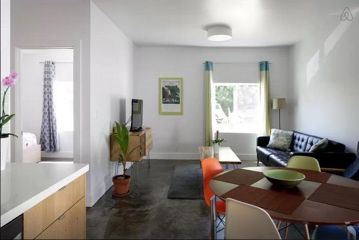 Modern Mango House (unit 1) photo