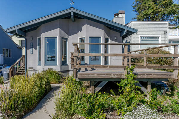 Oceanfront Harbor House photo
