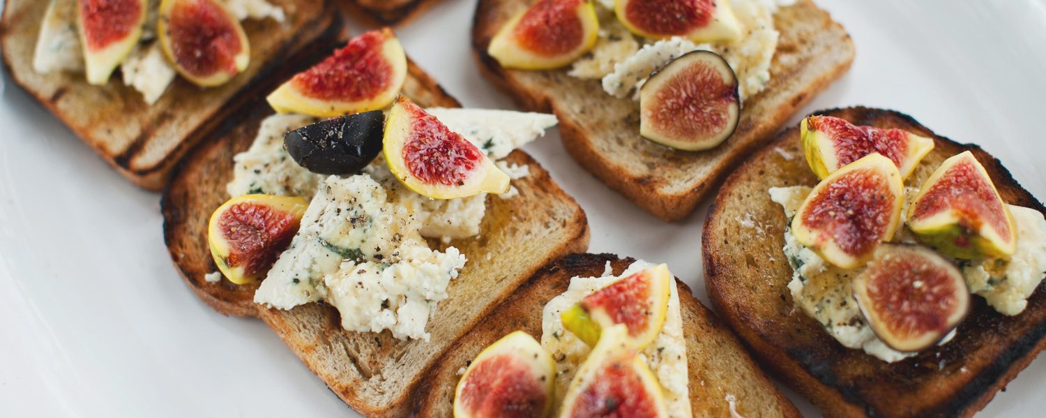 Fig and blue cheese tartines web