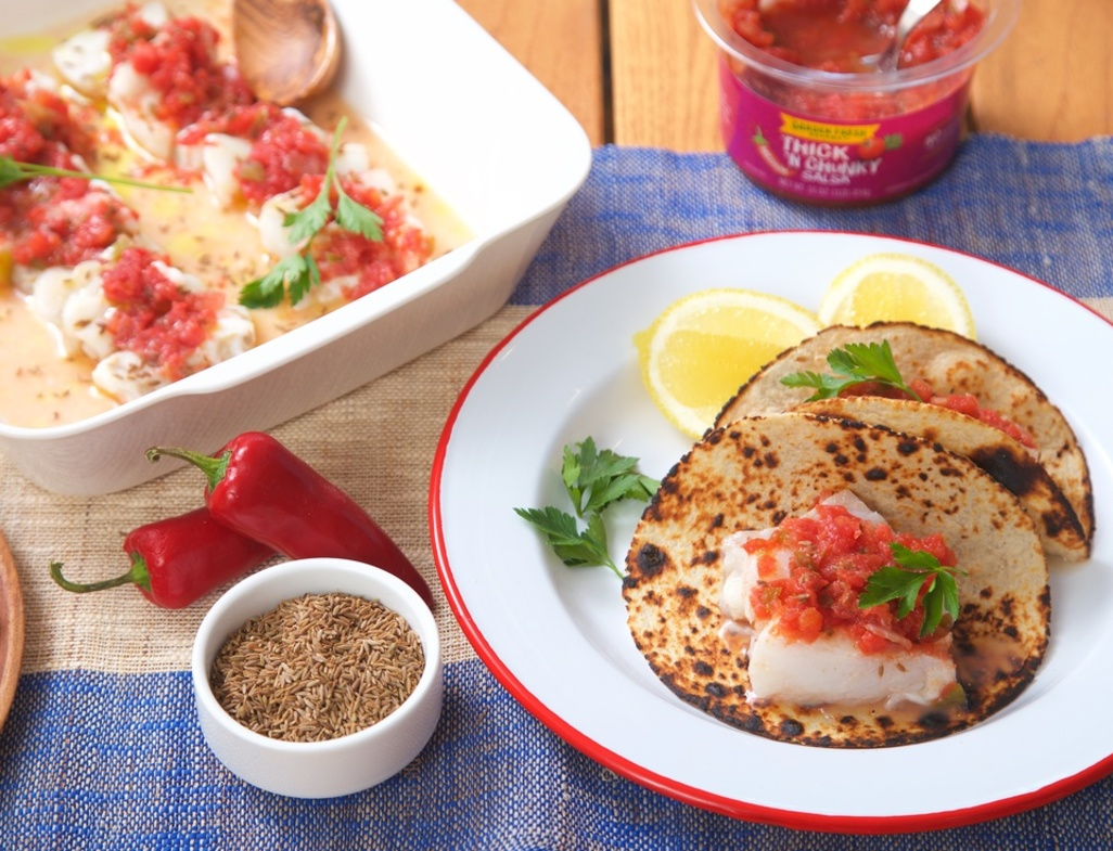 Fish tacos close