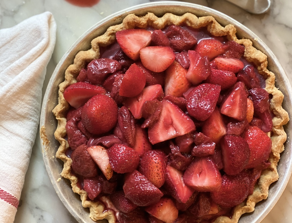 Roasted strawberry pie vertical