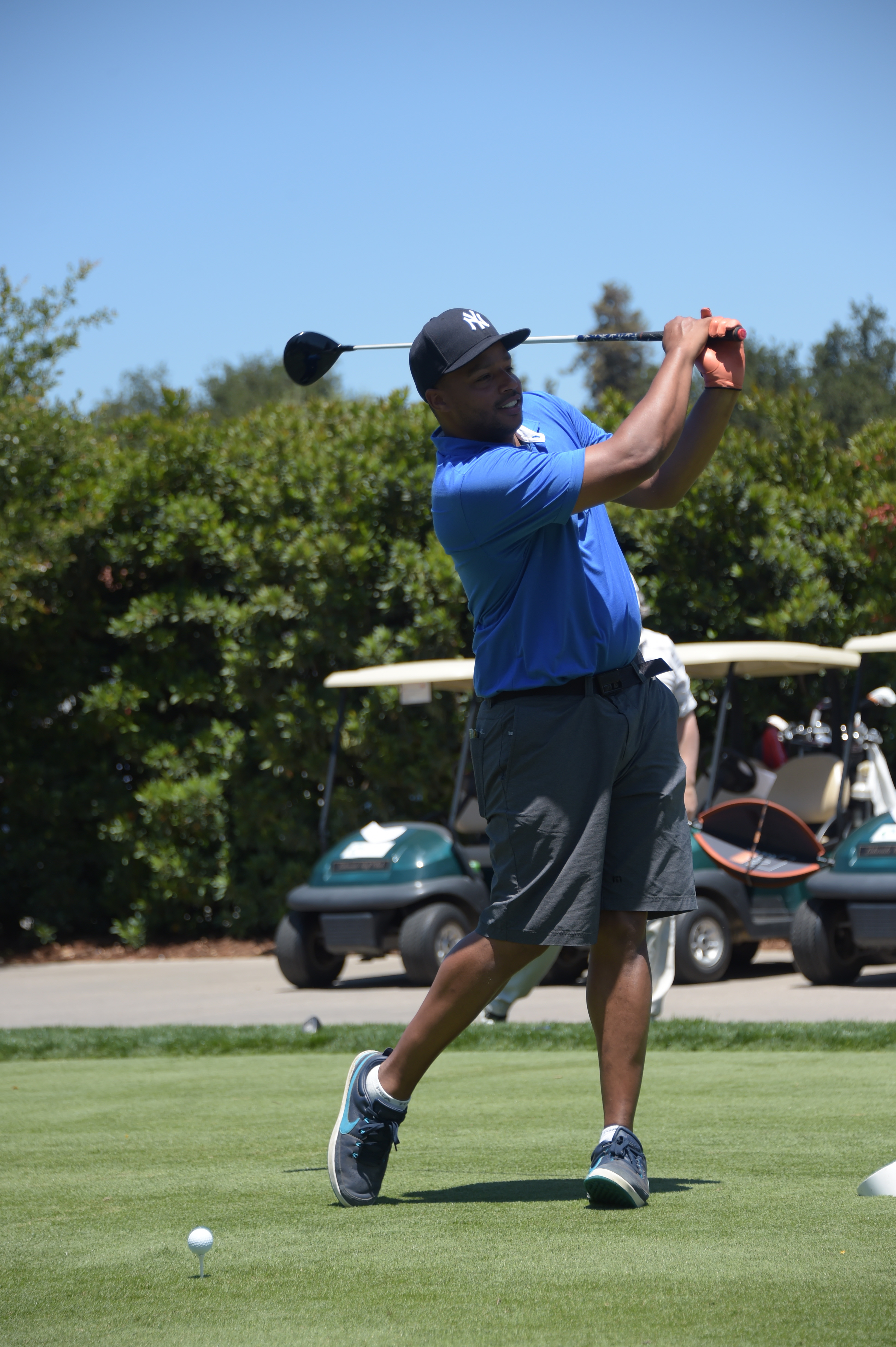 Donald Faison plays at the Screen Actors Guild Foundation's 6th Annual Los Angeles Golf Classic on June 8, 2015 in Burbank, California. (Photo by Jason Kempin/Getty Images for The Screen Actors Guild Foundation)
