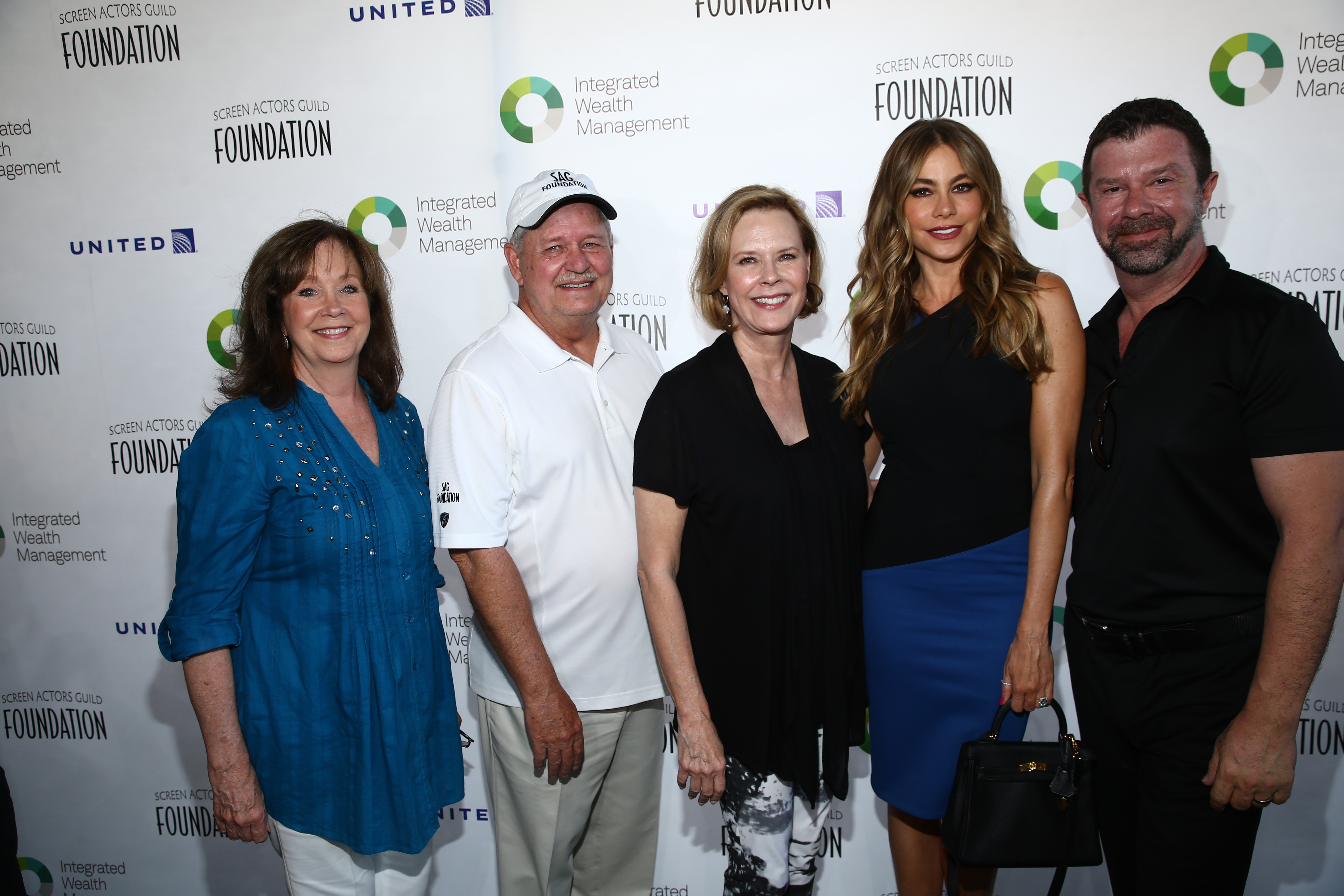 SAG Foundation President Cyd Wilson, SAG Foundation board member Dave Hutton, SAG Foundation President JoBeth Williams, Actress Sofia Vergara and Presenting Sponsor Jim Casey attend The Screen Actors Guild Foundation's 6th Annual Los Angeles Golf Classic on June 8, 2015 in Burbank, California. (Photo by Mark Davis/Getty Images for The Screen Actors Guild Foundation)