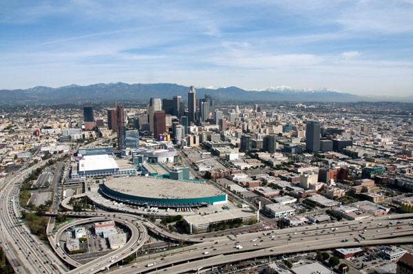 Vista áerea del Centro de Convenciones de Los Angeles. Foto Gary Leonard/Metro.