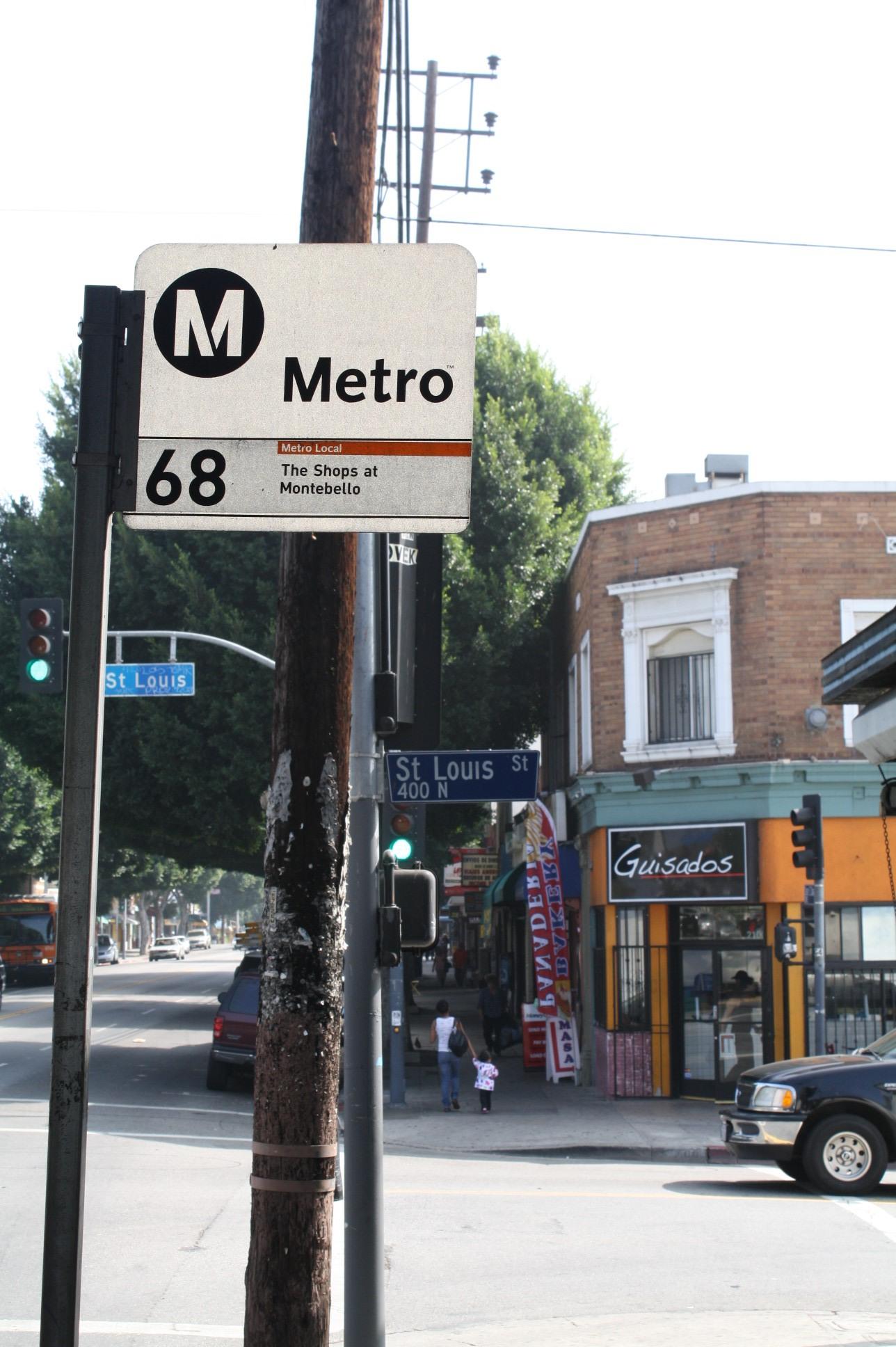 La Línea 68 de Metro lo deja prácticamente en la puerta. (Foto Agustín Durán/El Pasajero)