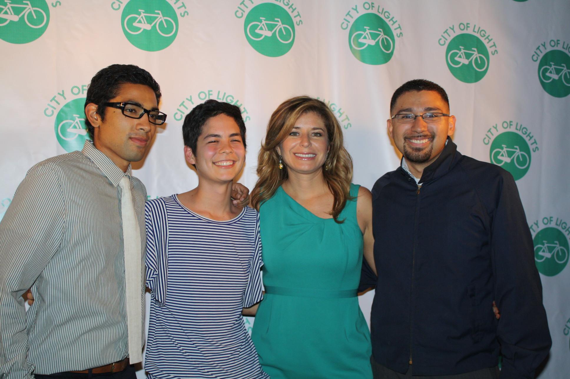 Superhéroes en bicicleta buscan un estilo de vida más saludable y equitativo en Los Angeles. (Foto Agustín Durán/El Pasajero)