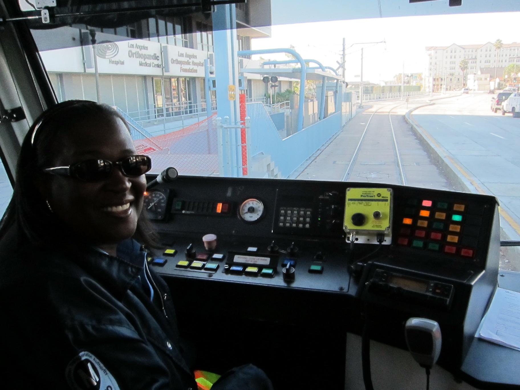 Viajando por la nueva Línea Expo de Metro. (Foto Luis Inzunza/El Pasajero).
