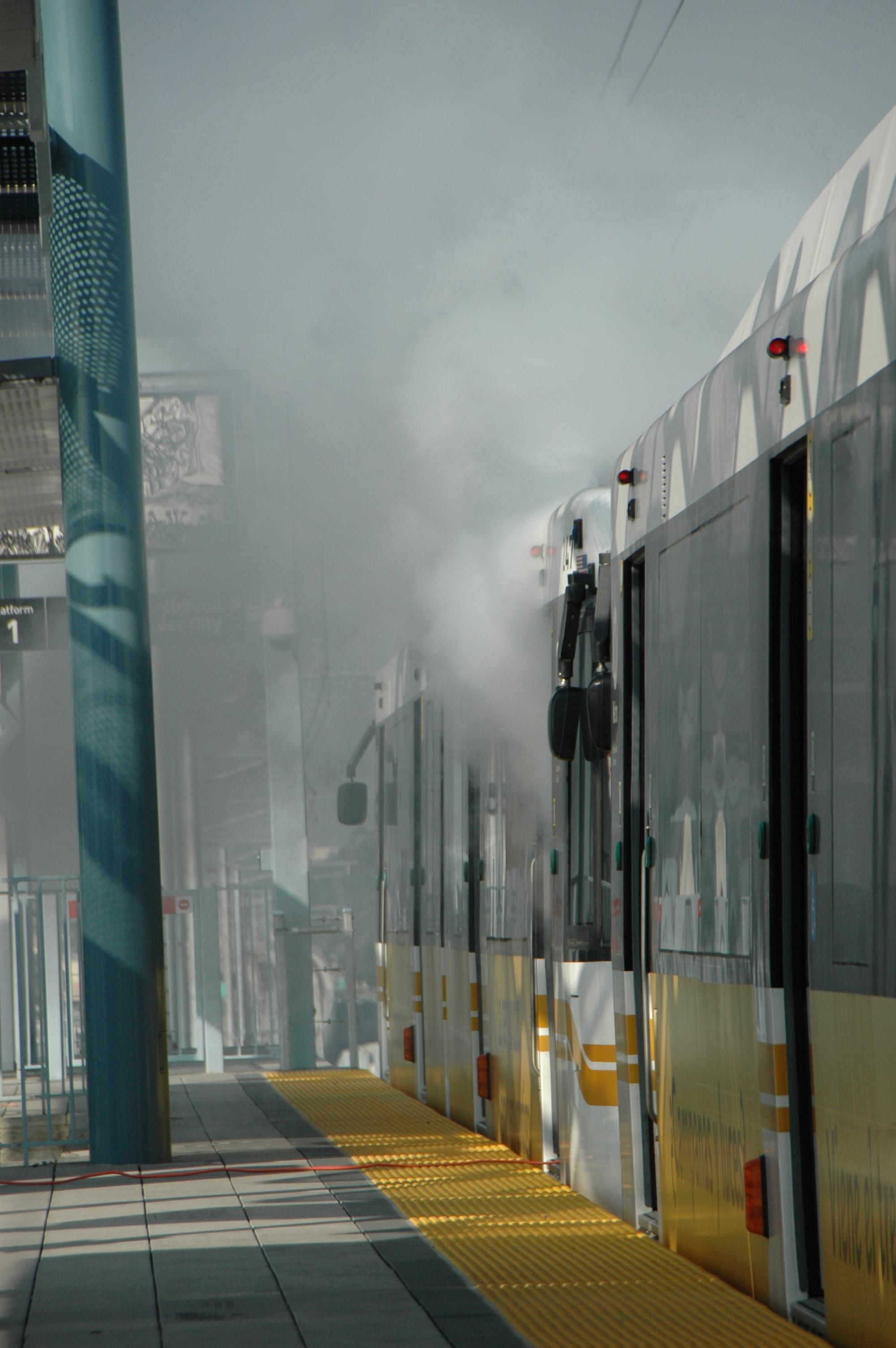 Simulacro de incendio en la estación La Cienega/Jefferson efectuado ayer jueves. (Foto José Ubaldo/El Pasajero).