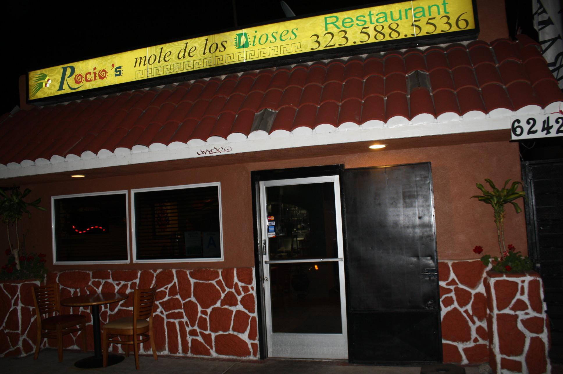 Rocio's Mole de los Dioses Restaurant en la ciudad de Bell. (Foto Agustín Durán/El Pasajero).