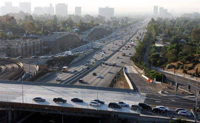 El puente Sunset Bridge inició sus operaciones esta mañana con ocho carriles. (Foto Ned Racine/Metro).