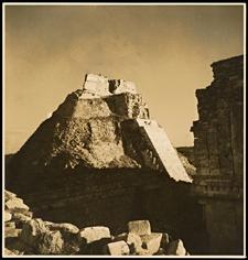 art_anthropology_pyramid