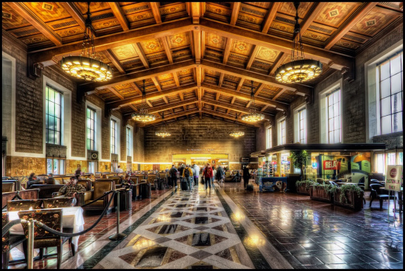 Vista de la sala de espera principal de Union Station. Foto: Pedro Szekely via Flickr creative commons.