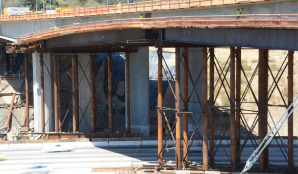 405mulholland_bridge_demo_002