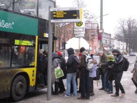 Parada de autobuses en Berlin.