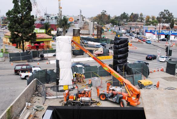 Obras en la Línea Expo. Foto: Alan Weeks, Metro Transportation Library via Flickr Stream.