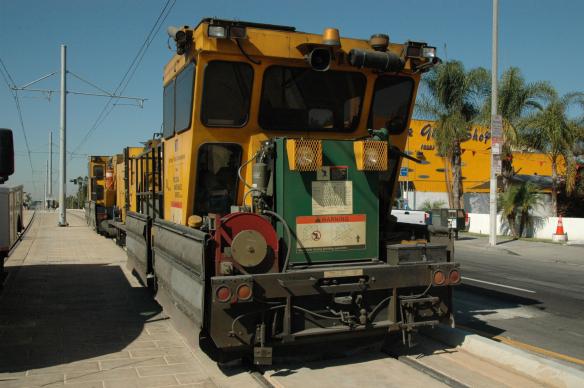 Esta máquina se usará para reparar las vías este fin de semana.