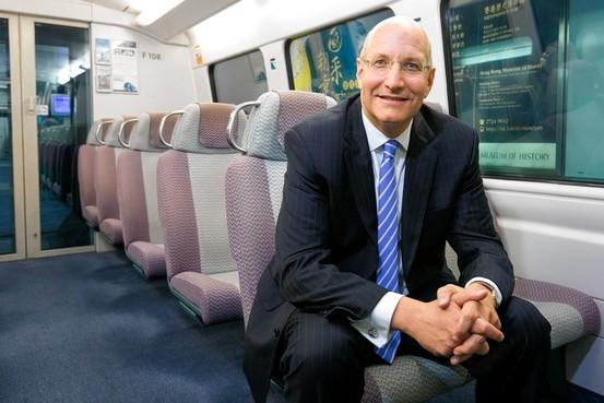 Jay Walder el presidente ejecutivo de MTR busca convertir a su empresa en el mayor operador de sistemas de metro del mundo. FotoGareth Jones for The Wall Street for The Wall Street Journal