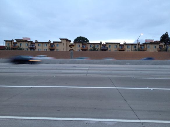 Vista del nuevo carril en la I-405, abierto hoy a las 4:30 a.m. Foto: Dave Sotero/Metro.