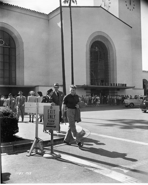 Una foto de la filmación tras bambalinas de Criss Cross en 1949.