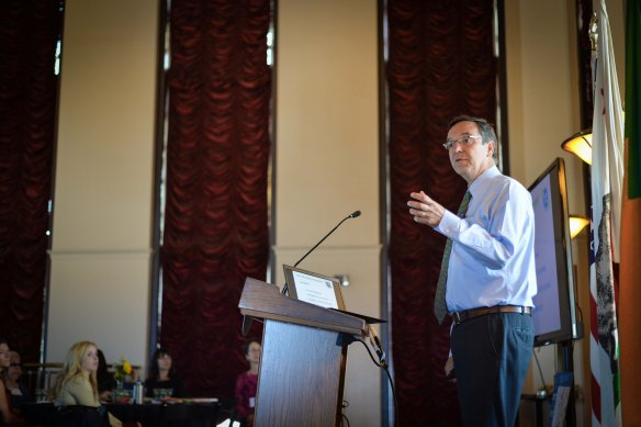 Gil Penalosa durante su presentación del pasado jueves. Foto: Steve Hymon/Metro.