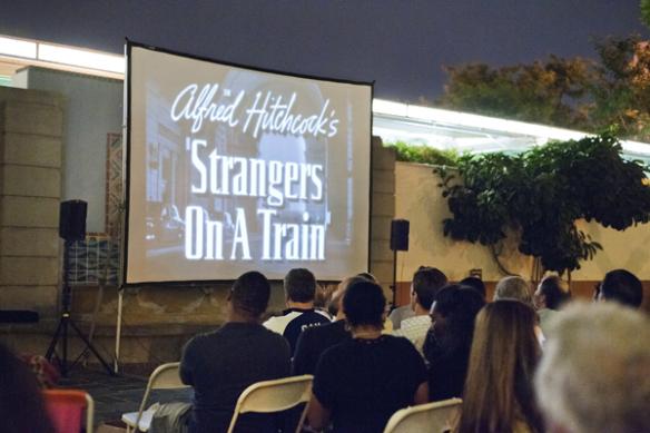 """La proyección de la película """"Strangers on a Train"""", en colaboración con Echo Park Film Center."""