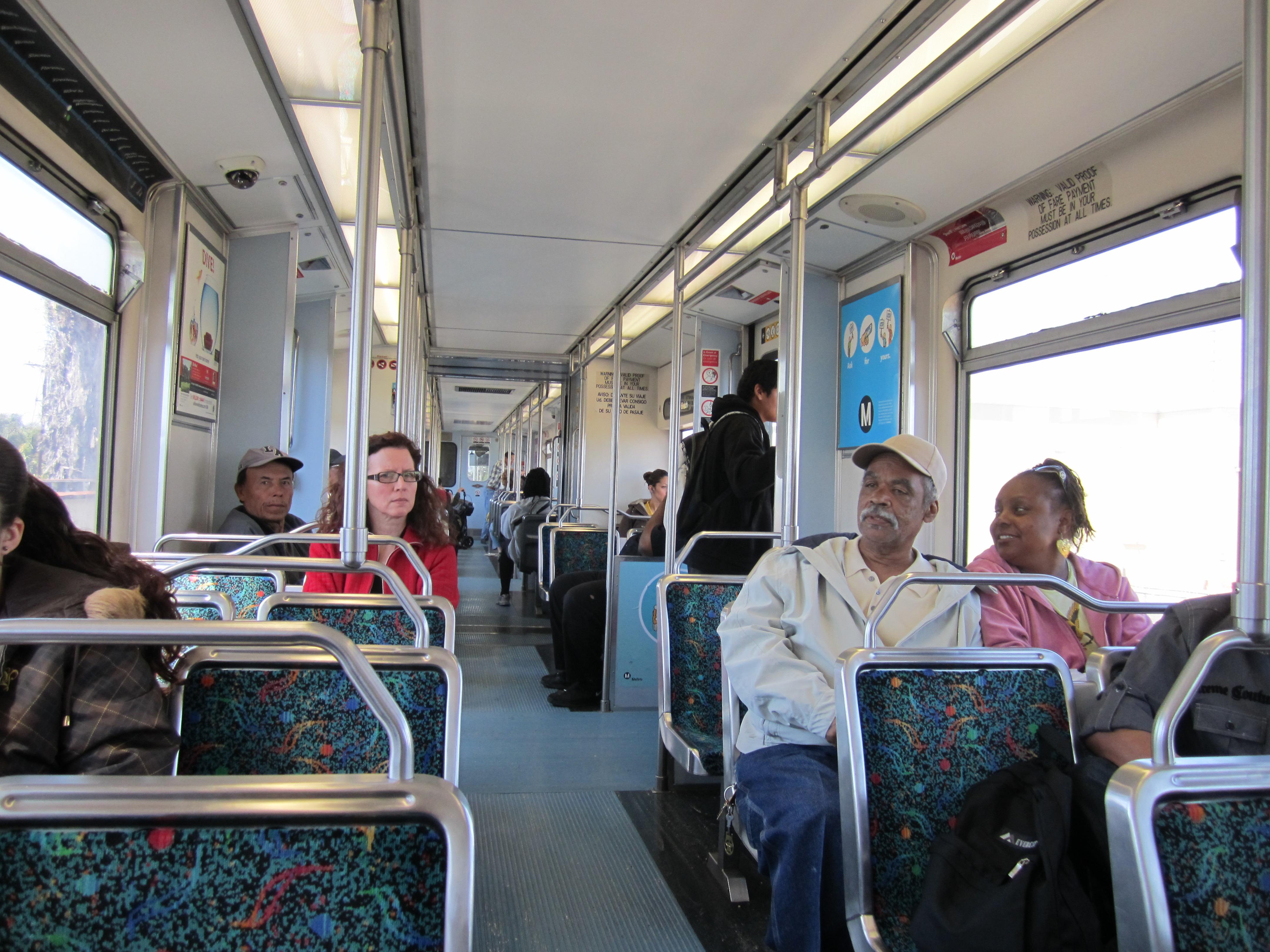 El 22% de los pasajeros de Metro dice que ha sufrido acoso sexual a bordo de los trenes o autobuses de la agencia. Foto: María Luisa Arredondo/Metro.