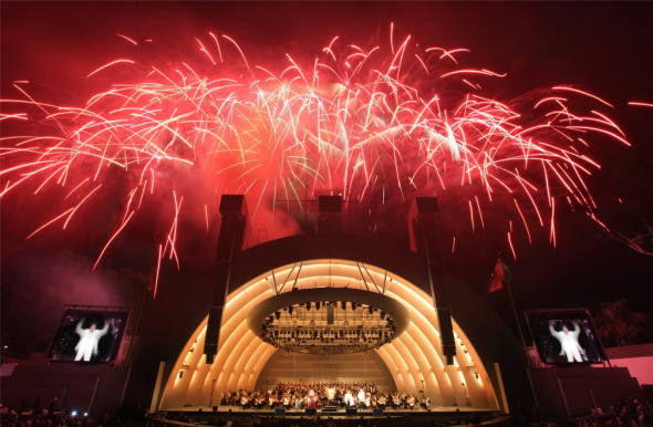 fireworks-at-hollywood-bowl