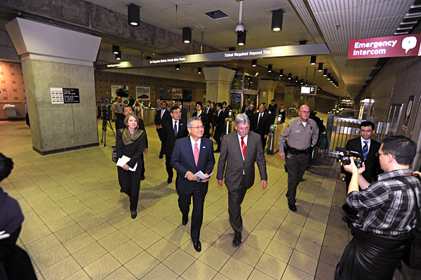 Metro CEO Art Leahy leads tour of rail operations at Union Station for Japan Transport Vice Minister Masafumi Shukuri and 17-member delegation on their way to the high-speed rail seminar at a downtown hotel. Also on board: Los Angeles County Supervisor Don Knabe and Ray Tellis, Team Leader, joint FTA and FHWA, Los Angeles Metropolitan Office. Photo by Juan Ocampo