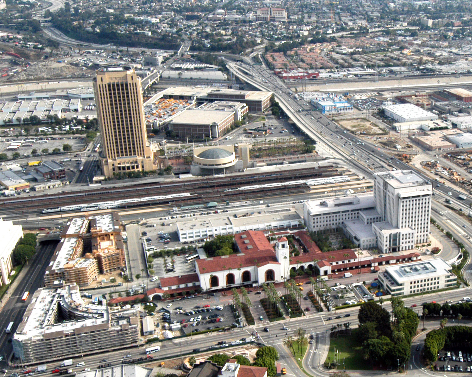 Metro headquarters sits directly east of the 38-acre site of Union Station in downtown Los Angeles. Aerial photo by Gary Leonard