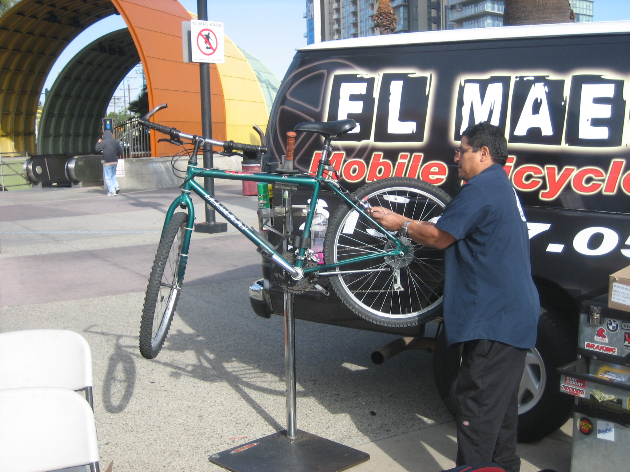 Techs from Downtown L.A.'s El Maestro gave free mini tune-ups.