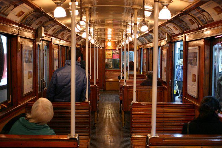 Buenos Aires Metro Linea A (Photo Credit: parabuenosaires.com — El Noticiero de la Ciudad)