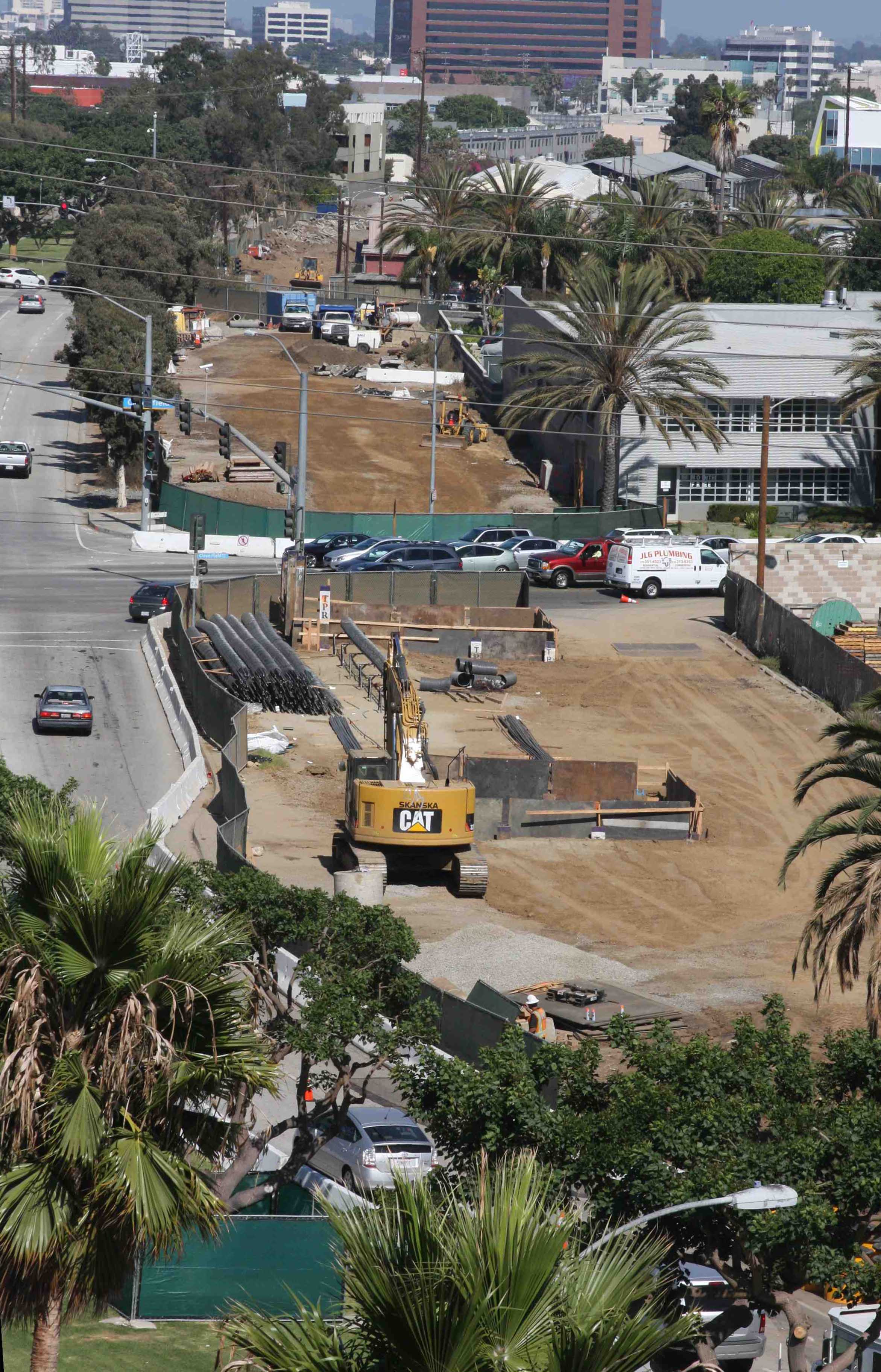 Work on the Measure R-funded Expo Line Phase 2 along Olympic Boulevard in Santa Monica. Photo by Expo Line Fan.