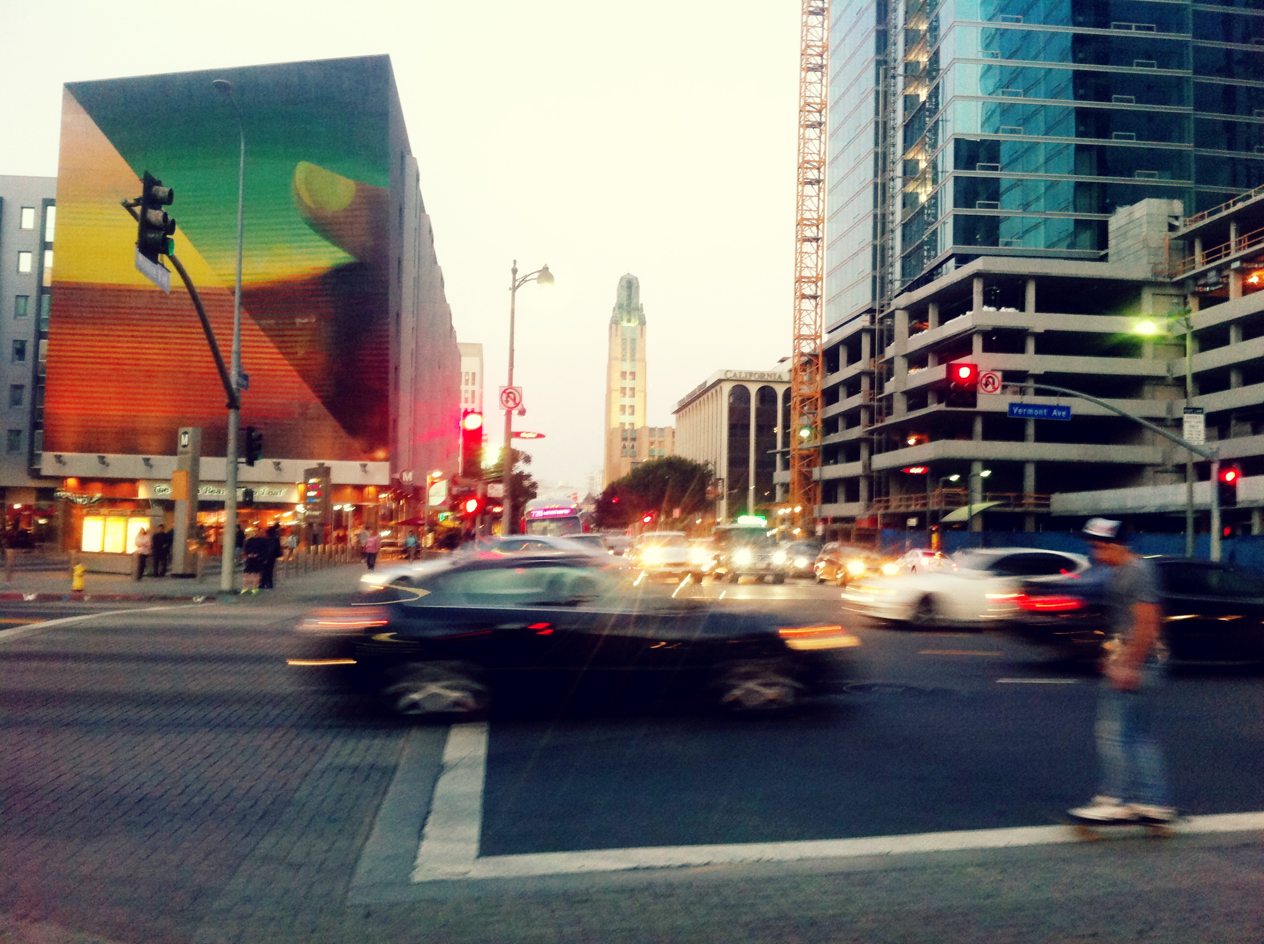 Photo: Intersection at Wilshire / Vermont