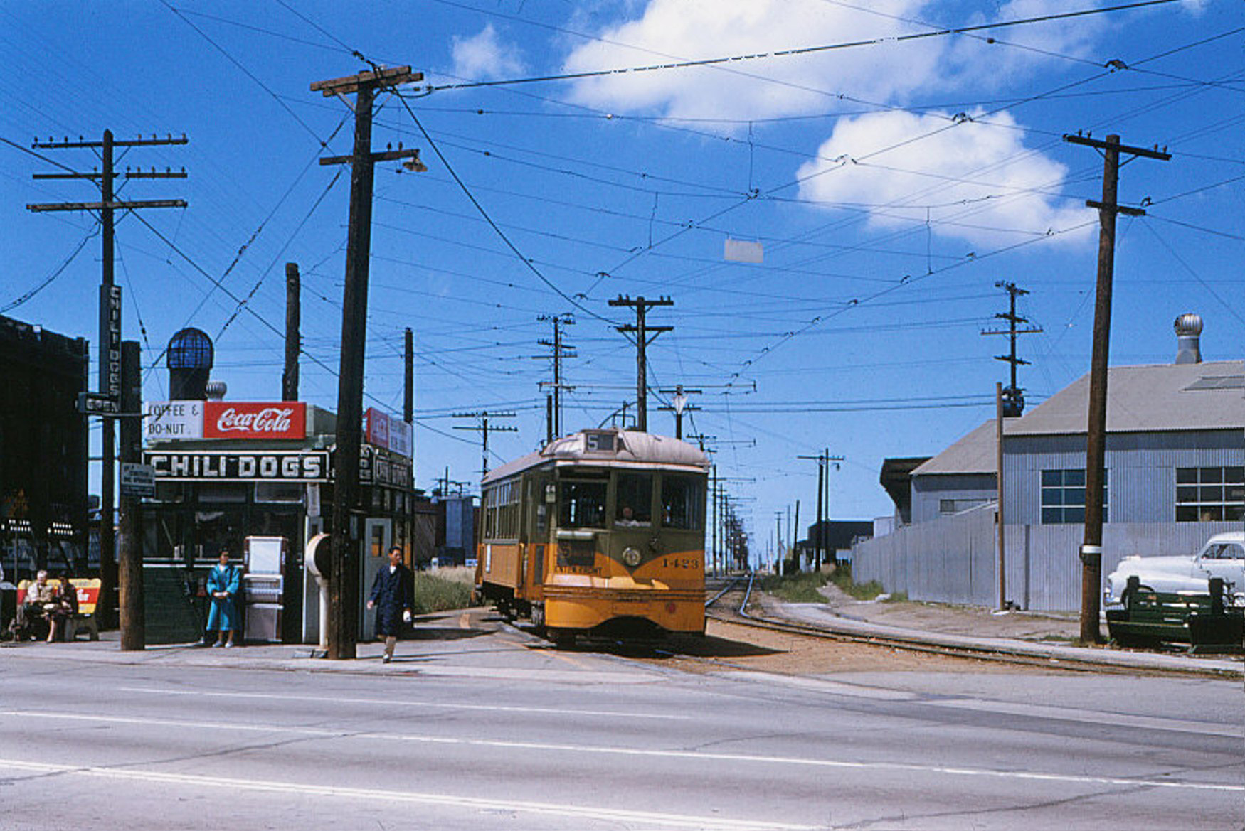 008 - Old - LATL 5 Line Car 1423 Northbound At Prw. & Crenshaw Bl. 19550507 (2)