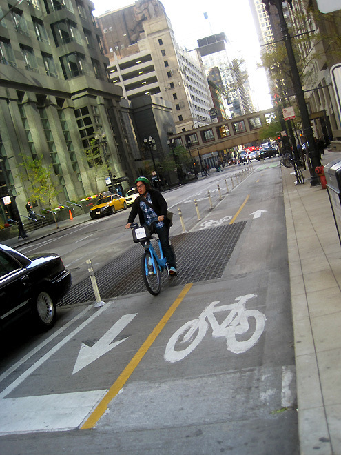 Check it out!: a two-way protected bike lane in downtown Chicago. Photo by Brigham Yen.