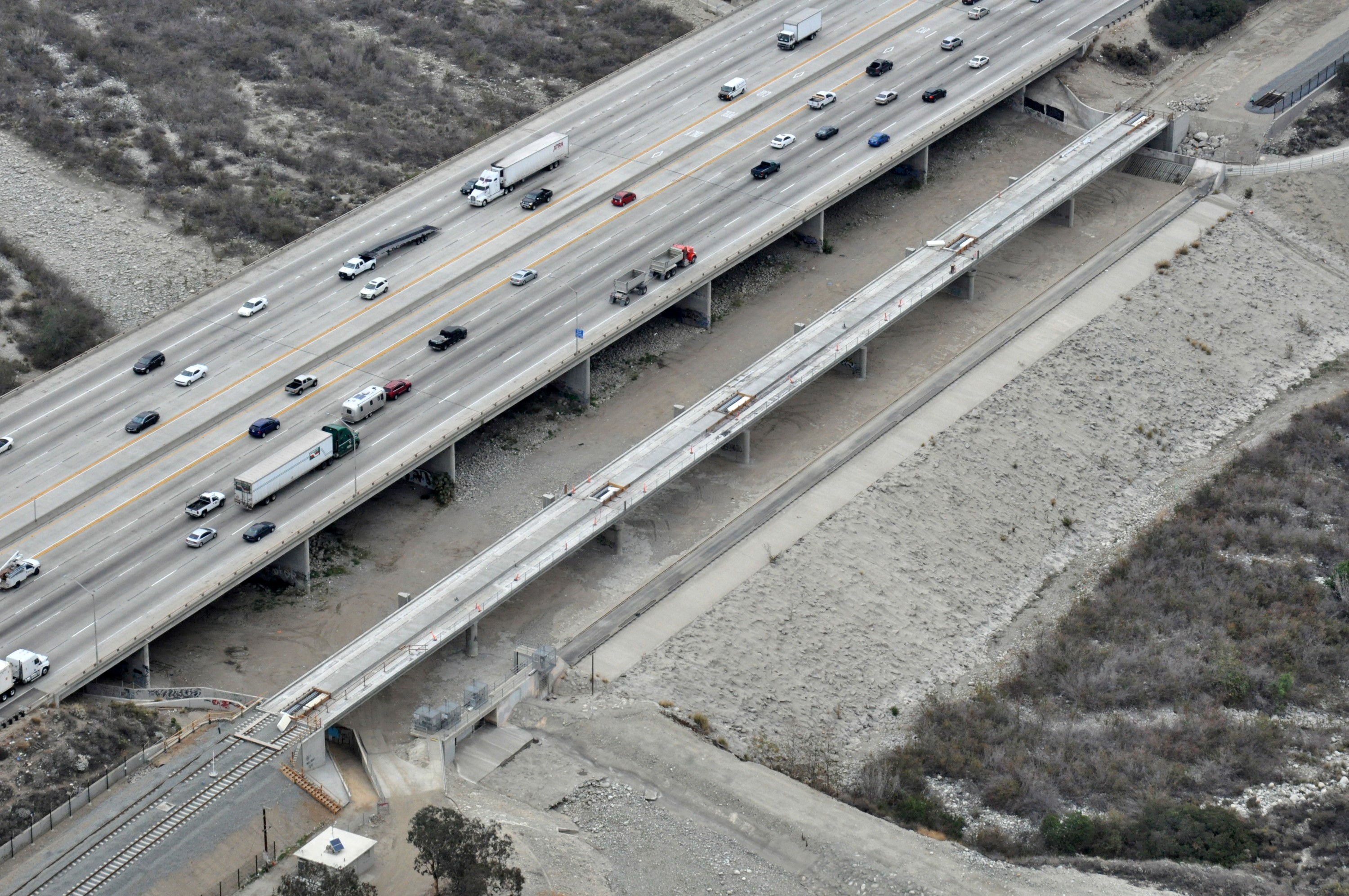 San_Gabriel_River_Bridge_(2)_-_aerial