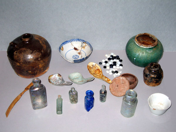 Artifacts of Old Chinatown excavated during 1989-1991. Courtesy of the Seaver Center for Western History Research, Natural History Museum of Los Angeles County.