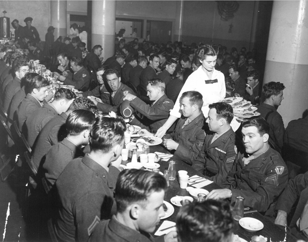 Soldiers crowding then-new Los Angeles Union Station's Fred Harvey restaurant during the WWII years. From Appetite for America, courtesy of the Kansas State Historical Society.