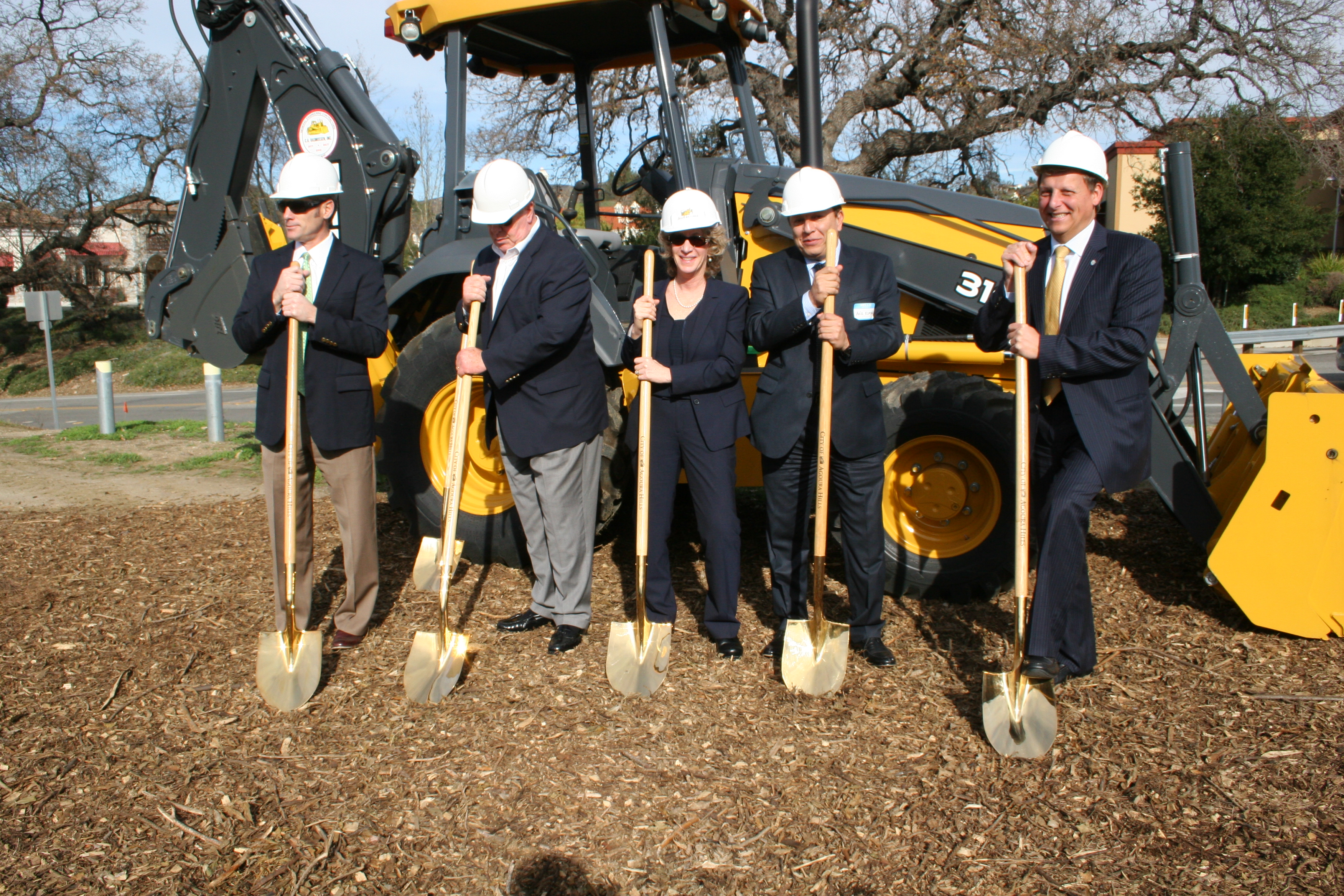 Metro Board Member Ara Najarian joins other officials for the Agoura Road Widening Project groundbreaking. Photo: Paul Gonzales/Metro