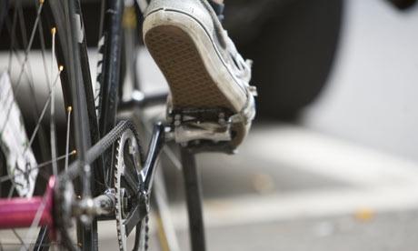 Bike-Blog-Man-riding-bicy-003