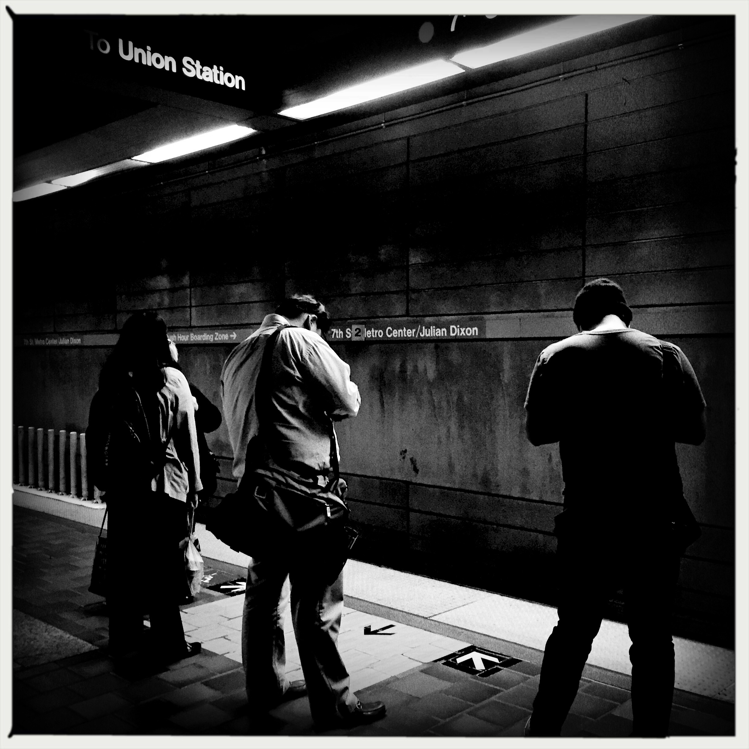 ART OF TRANSIT: Killing time on the subway platform. Photo by Steve Hymon/Metro.