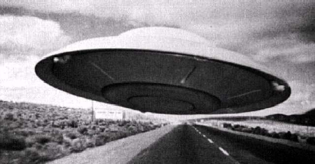 FlyingSaucer-2