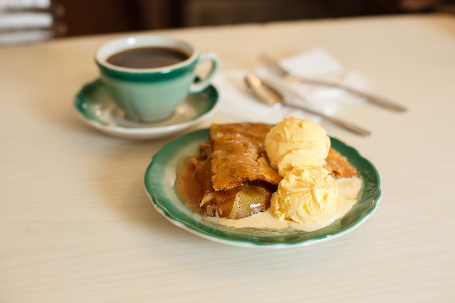 Some classic apple pie a la mode at The Apple Pan. Photo: Peter Watkinson/Metro