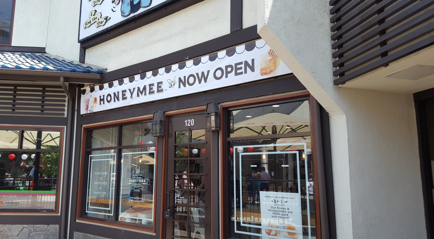 Honeymee just opened so the store still smells a little raw, but go anyway and get some delicious honey ice cream.