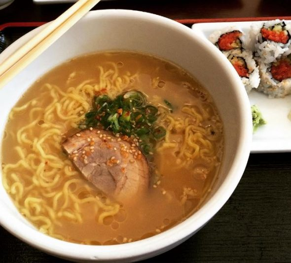 Pork Ramen, Tuna Roll via theminty instagram